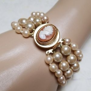 Vintage Pearl Bracelet with Glass Cameo Clasp